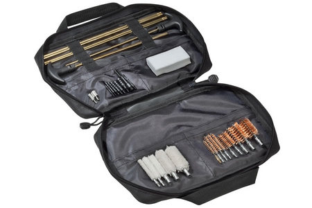 UNIVERSAL 32 PC SOFT SIDED CLEANING KIT