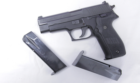P226 40SW POLICE TRADES WITH THREE MAGS