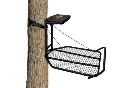 THE BLACKHAWK HANG-ON TREESTAND