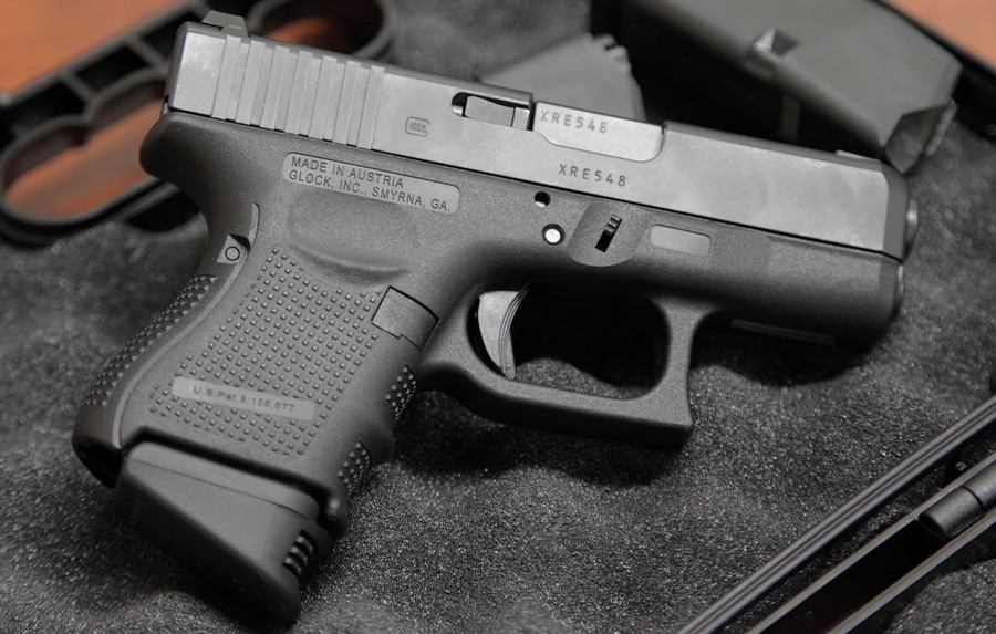 27 40 S&W Police Trade-ins Gen4 with 3 Mags, Night Sights and Case