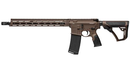 "Daniel Defense M4 v7 AR-15 Semi Auto Rifle 5.56 NATO 16"" Barrel 30 Rounds DD MFR Free Float M-LOK Hand Guard Collapsible Stock Mil Spec + Cerakote Finish"