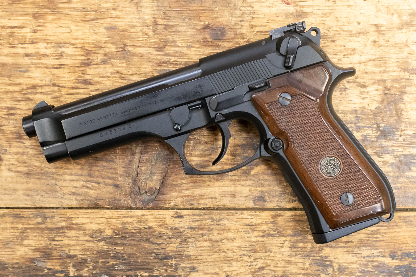 92F 9MM 15-ROUND TRADE-IN PISTOL WITH WOOD GRIPS