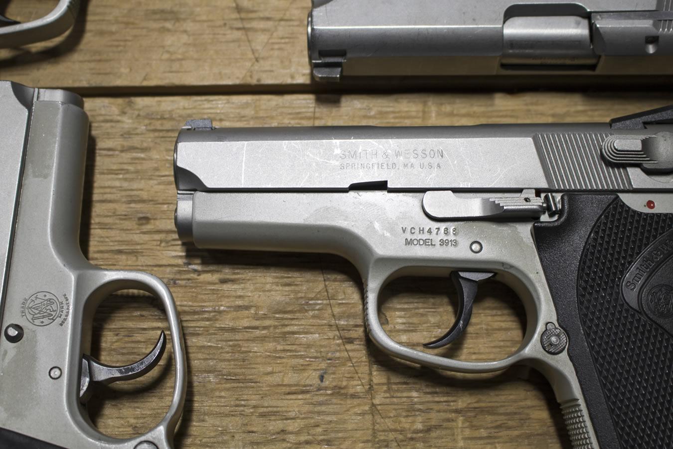 3913 9mm Police Trade-in Pistols (Fair Condition)
