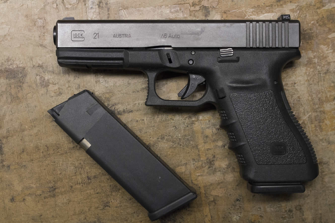 Glock Model 21  45 ACP Police Trades with 2 Magazines (Gen 3)